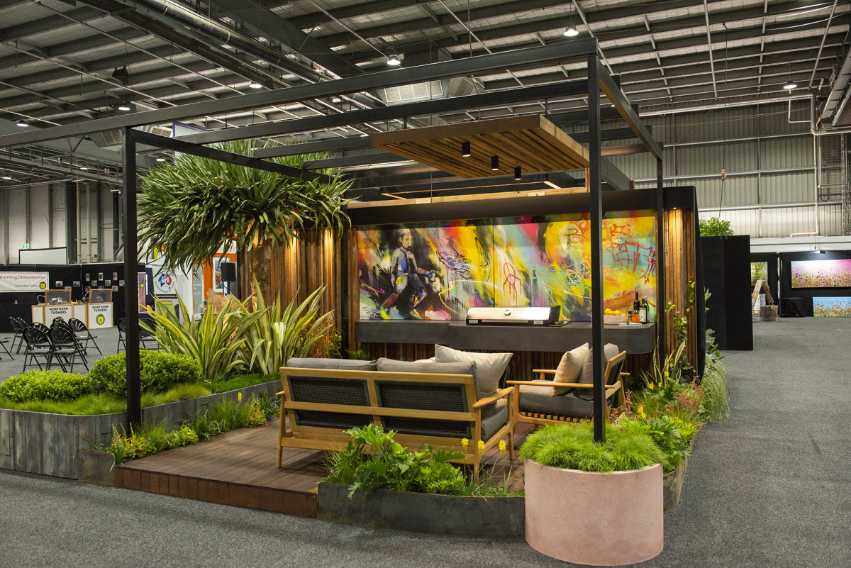 Distinctive Gardens wins the inaugural Home Show Landscape Competition